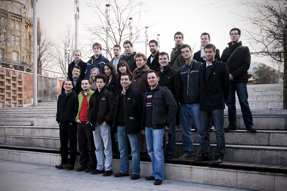 solar decathlon bme team 1 Here is our first team picture. These handsome people can do only a good house?