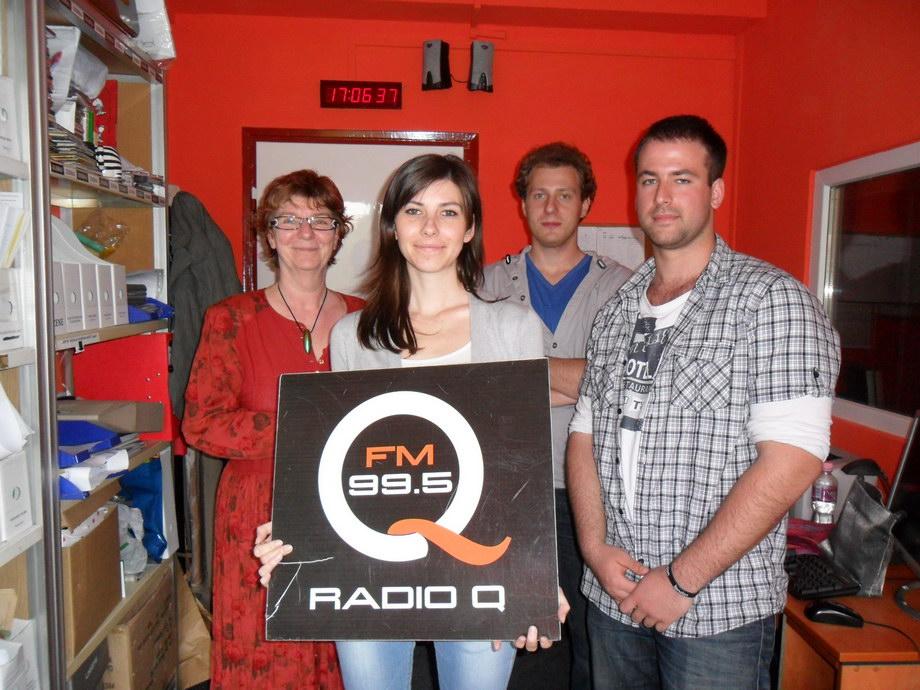 sam 0442 Radio Q