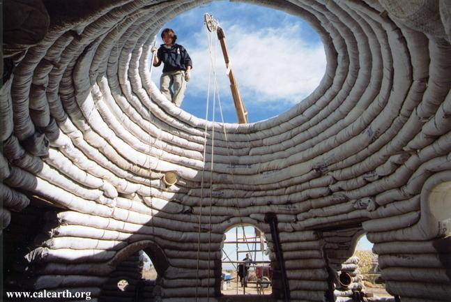 ecodome1 Developed earth architecture: the superadobe