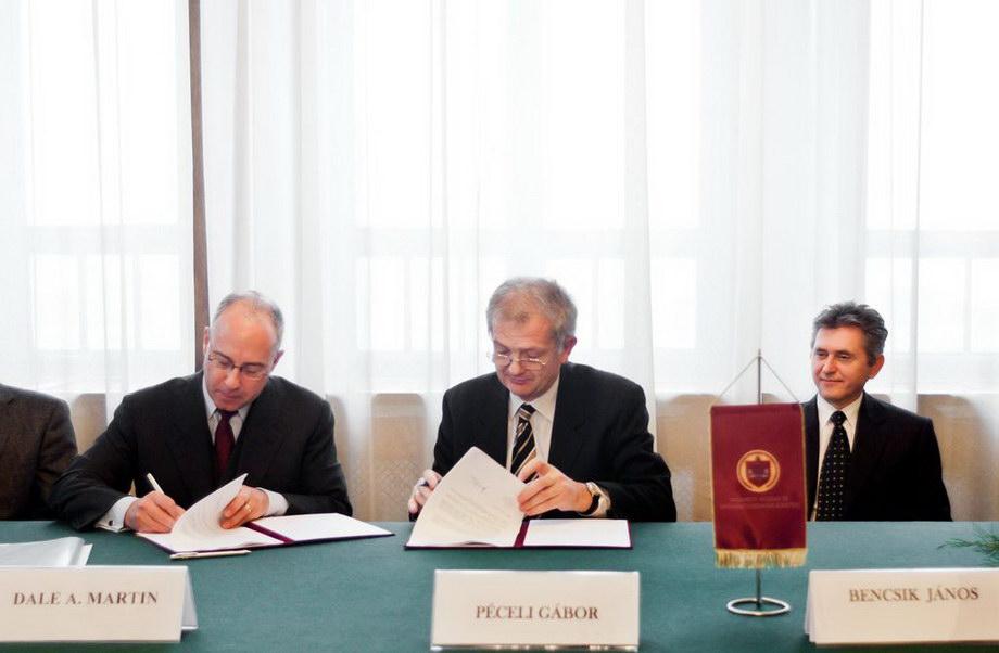 mg 3858 ?Contrato firmado con Siemens!