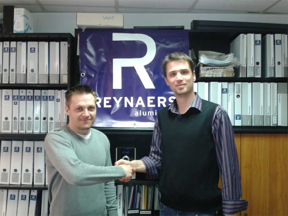 2012 06 05 10.21.58 Agreement signed with Reynaers