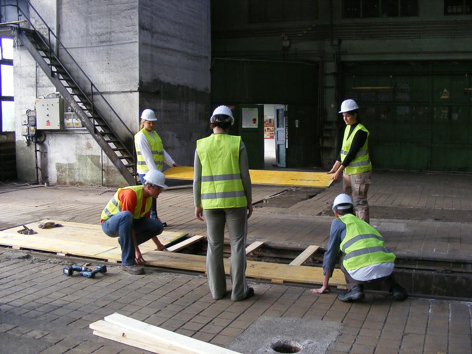 DSCF0989 La construcción ha empezado