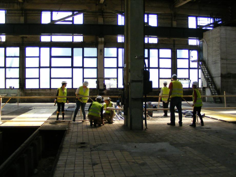 DSCF1052 La construcción ha empezado