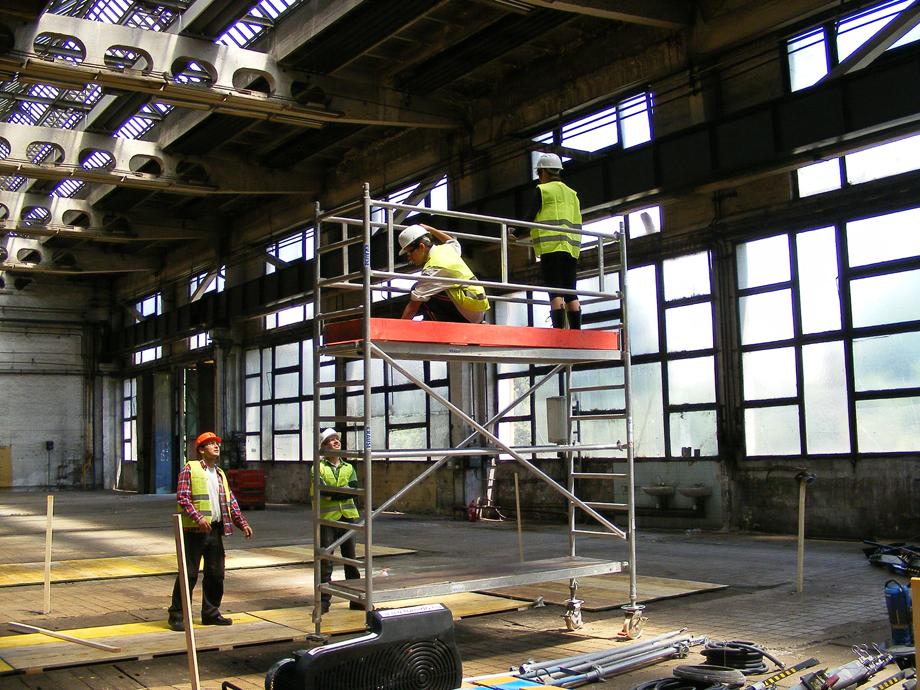 DSCF1070 La construcción ha empezado