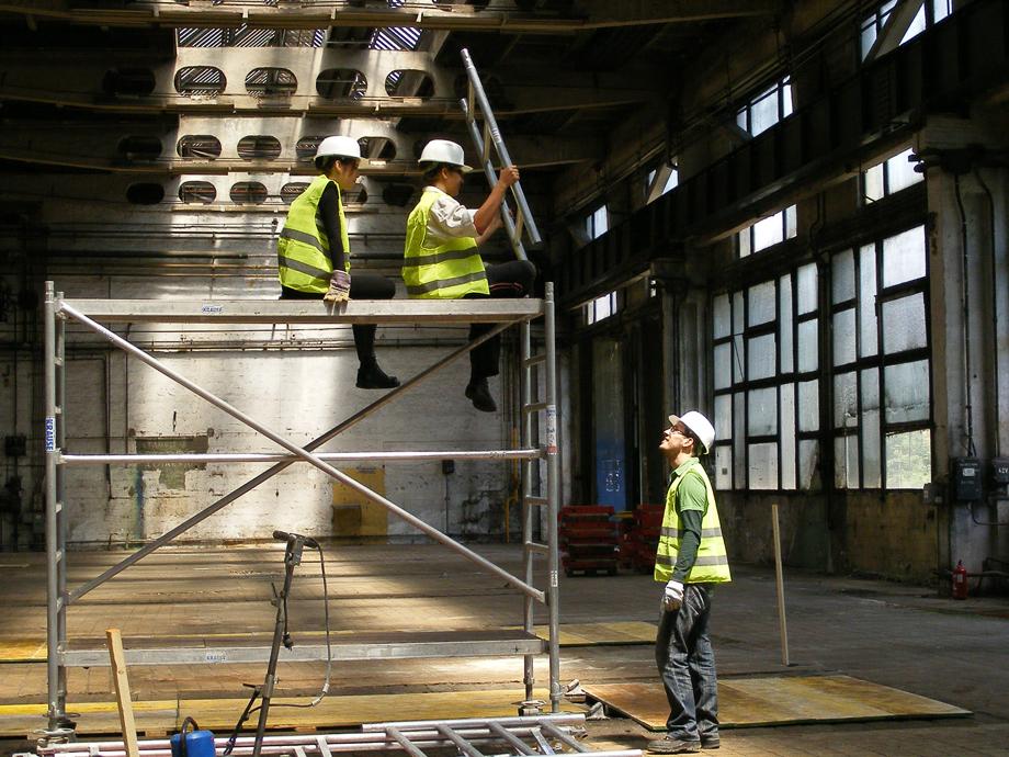 DSCF1101 La construcción ha empezado