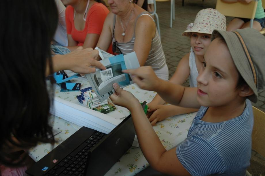hars02 Odooproject held workshops for children in summer camps